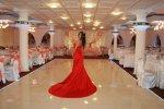 czerwona suknia